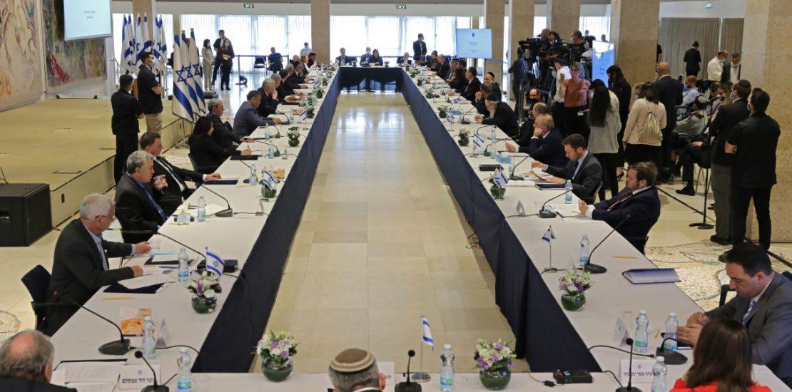 Israeli cabinet ratifies deal on ties with UAE